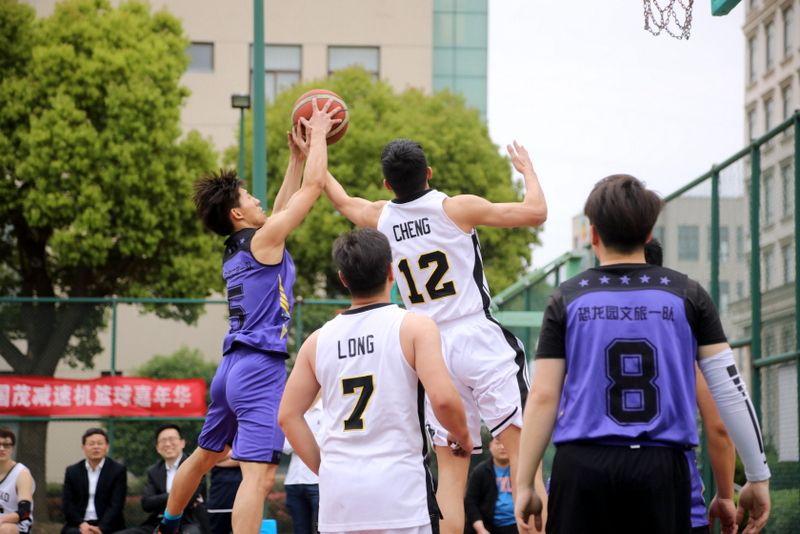 3——图为国茂股份组织开展的2019篮球嘉年华职工联赛系列活动一景.JPG